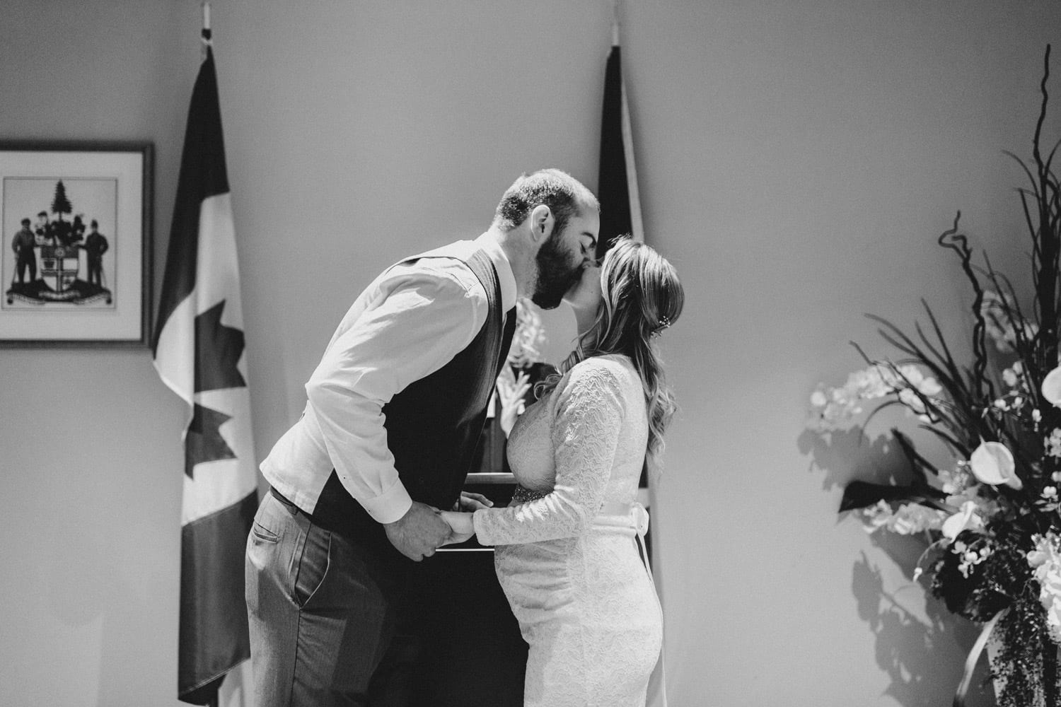 first kiss at ottawa city hall wedding