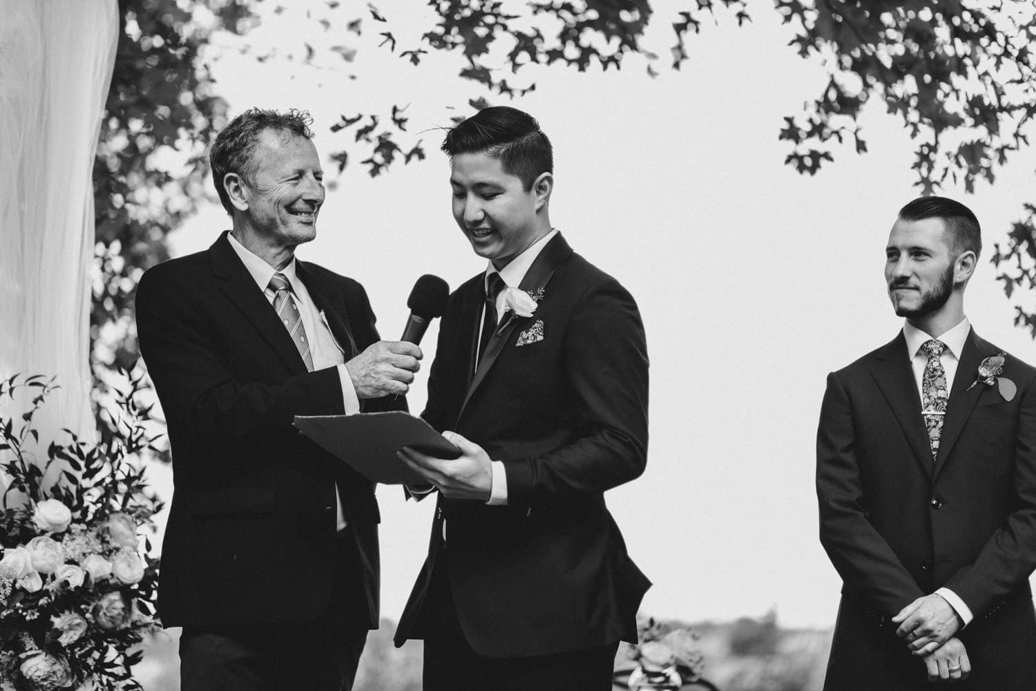groom reads his vows