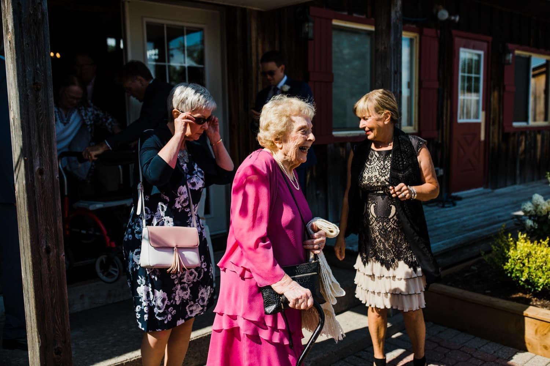 grandma arrives for wedding ceremony - summer strathmere wedding