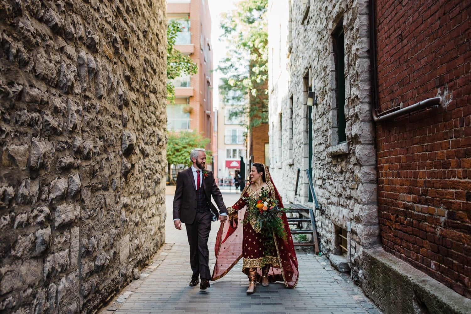 couple wander around downtown ottawa - ottawa elopement