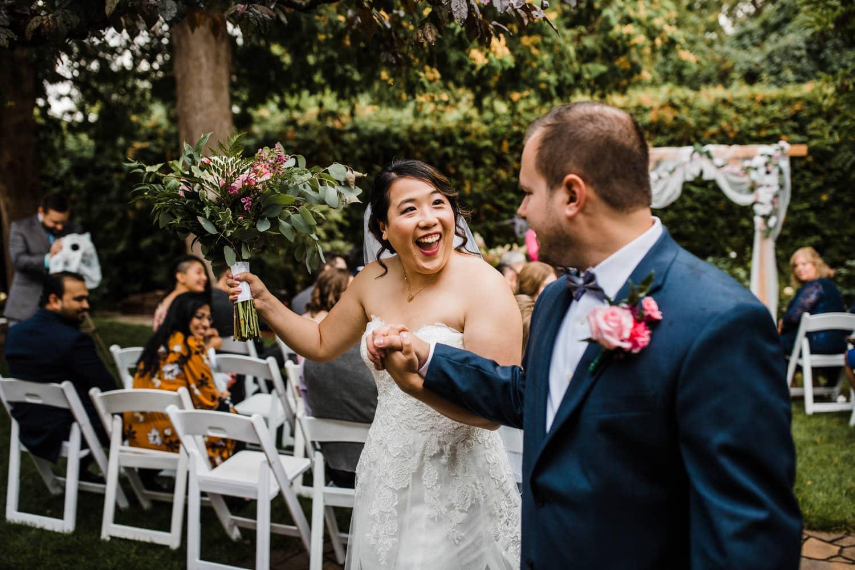 just married - small ottawa backyard wedding - ottawa wedding photographer