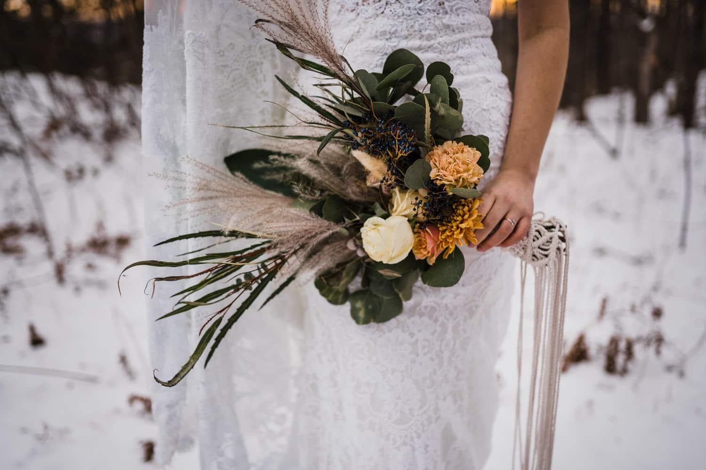 macrame bouquet holder - winter boho elopemenet