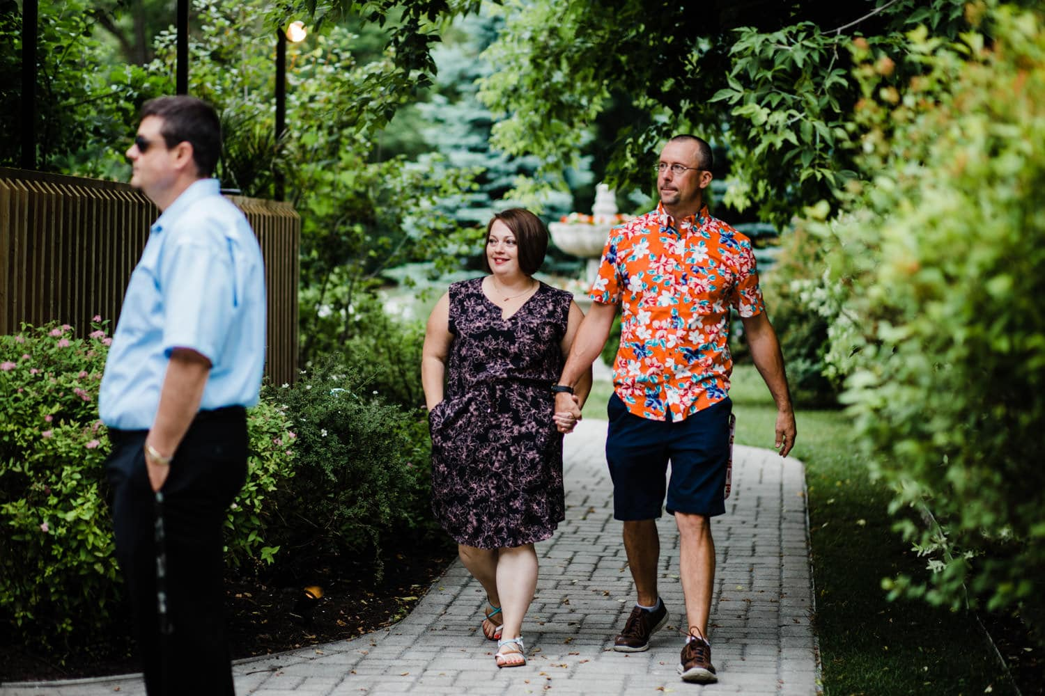 guests arrive at intimate wedding at the schoolhouse