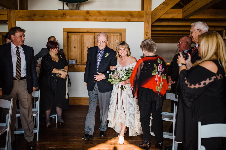 bride walks down aisle at the ivy lea club wedding