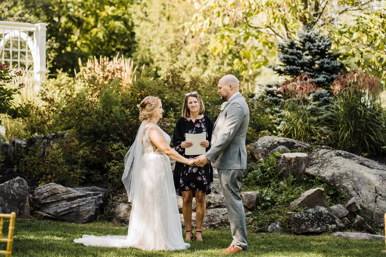 small wedding ceremony - stewart park perth